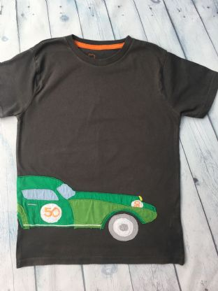 Mini Boden applique green car tshirt age 9-10 (playwear)